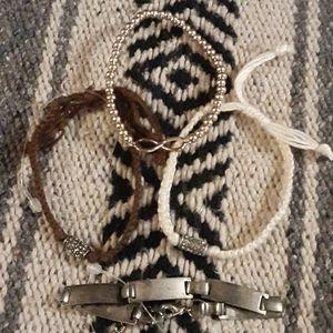 New, choker and 4 bracelets